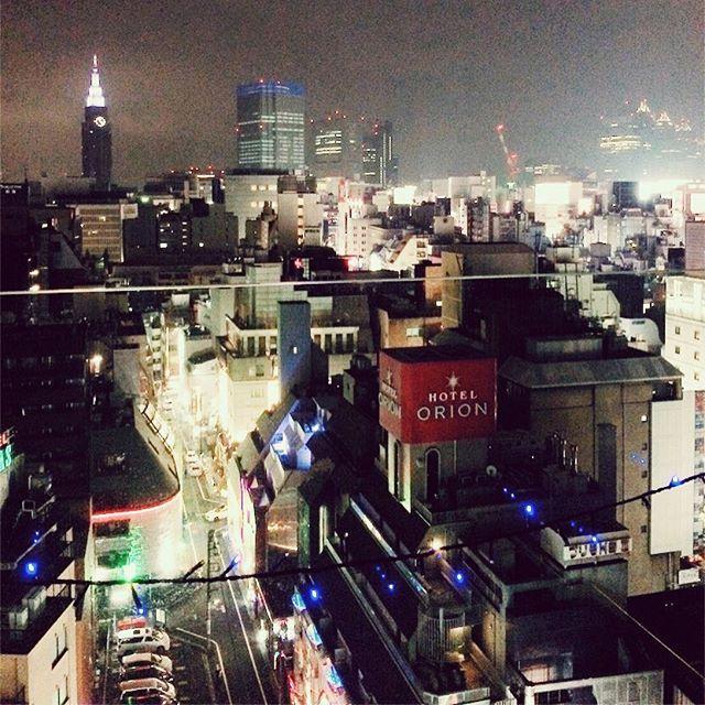 「ここはNYCだ」と自己催眠かけましたけど、歌舞伎町以外に思えませんでした( ͡° ͜ʖ ͡°)深夜のご面談や、「今から30分後」等割と急な調整が好きです。タイミング合えば場所や時間はフレキシブルに対応いたします。#交際クラブ #愛人希望 #愛人